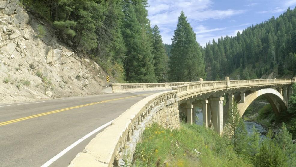 UPDATE: Highway 55 back open after crash   KBOI
