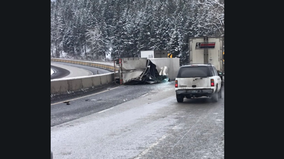 Eastbound I-84 back open after semi crash closes traffic near